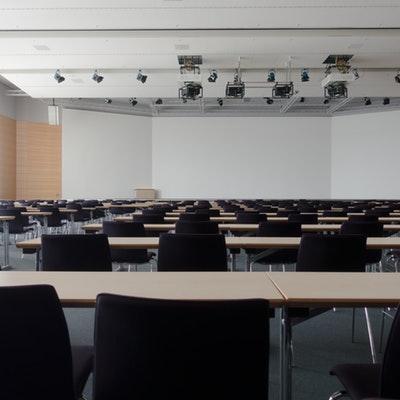 Cómo organizar un evento de empresa paso a paso
